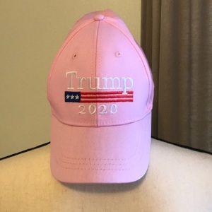 Trump 2020 baseball cap